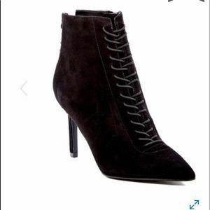 New. No box. Kendall & Kylie Liza booties Black 8